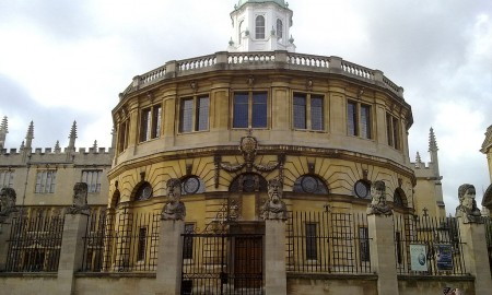 1024px-The_Sheldonian_from_across_Broad_Street