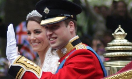 1280px-All_smiles_Wedding_of_Prince_William_of_Wales_and_Kate_Middleton