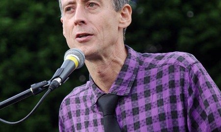 552px-Nottingham_Pride_MMB_A3_Peter_Tatchell_(cropped)