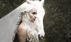Deanerys Targaryen with a white stalion