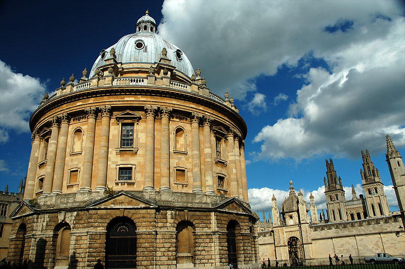 Oxford University says students must use gender neutral 'ze' in place