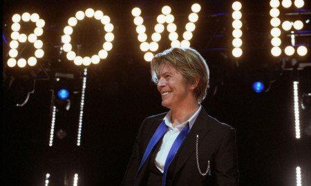 David-Bowie_Chicago_2002-08-08_photoby_Adam-Bielawski