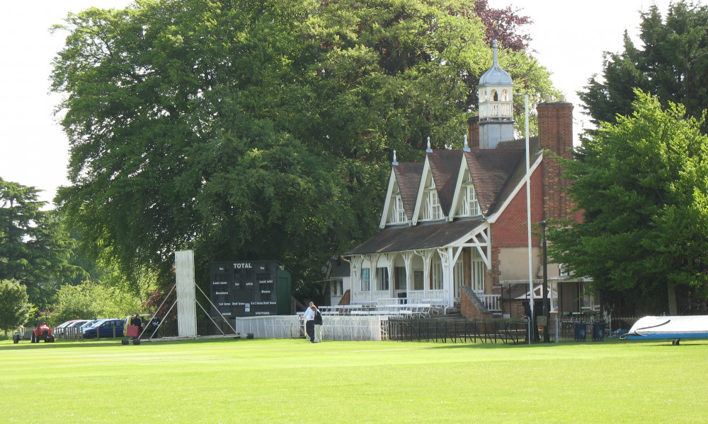 Cricket_pavilion_in_University_Parks,_Oxford