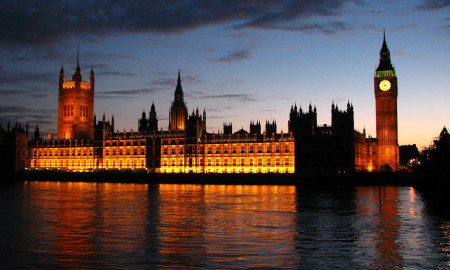 Palace_of_Westminster_at_sunset