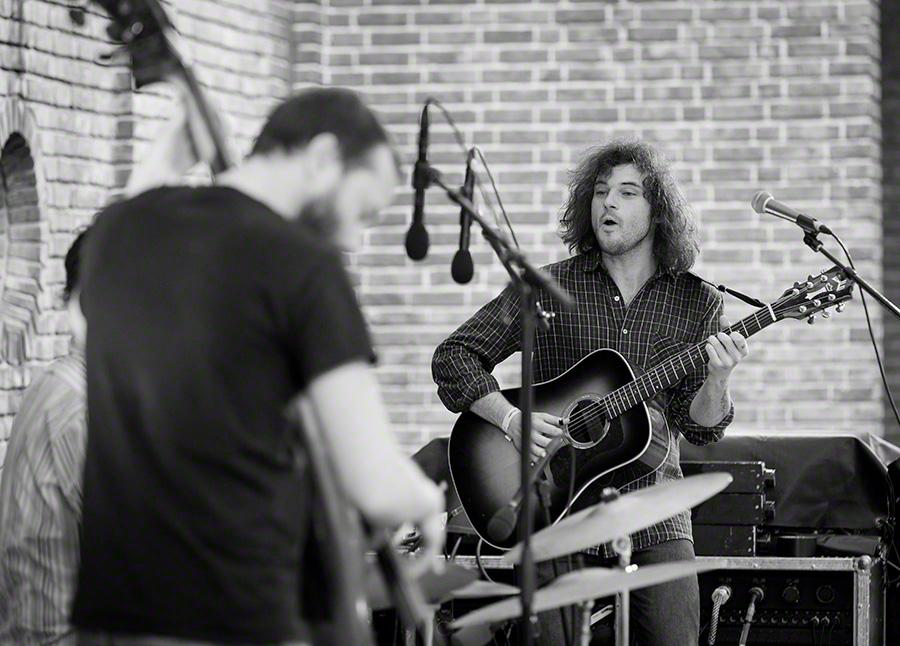 Ryley Walker performs at Piknik i Parken in Oslo on 24. June 2016.    Lineup: Ryley Walker (guitar) Unidentified (double bass) Unidentified (drums)
