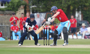 12/06/15 Cambridge v Oxford Varsity Twenty20 Varsity 20-20 match - Phil Hughes bats.Pic - Richard Marsham