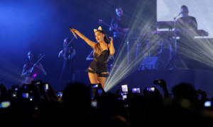 Ariana_Grande_-_The_Honeymoon_Tour_Live_Jakarta_(5)
